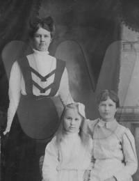 Edna, Martha and Charlotte Carder